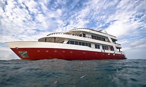 Capitaine de bateau sur le Theia aux Maldives avec Dune